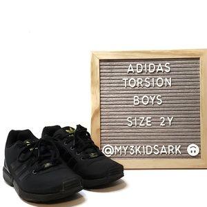 🆕Adidas Torsion Boys Sneakers, Black, sz 2Y
